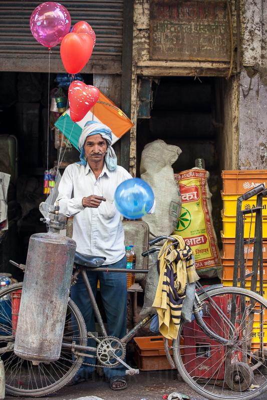 Balloon Salesman