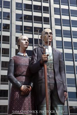 American Gothic statue